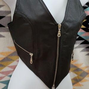 Vintage Jackets & Coats - Zippered black leather vest